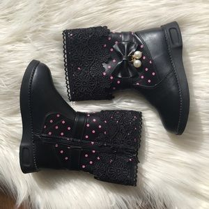 Girls Black lace cuff boots with bow/pearl detail